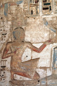 Medinet-Habu-atef-receiving-detail-Egypt