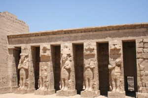 Medinet-Habu-royal-columns-Egypt