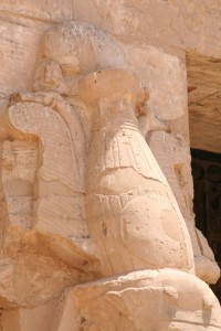Medinet-Habu-royal-columns-crown-Egypt