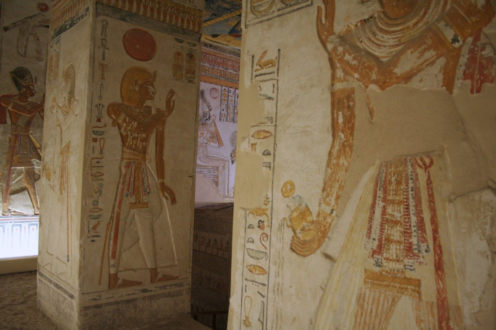 KV9-pillared-hall-Egypt