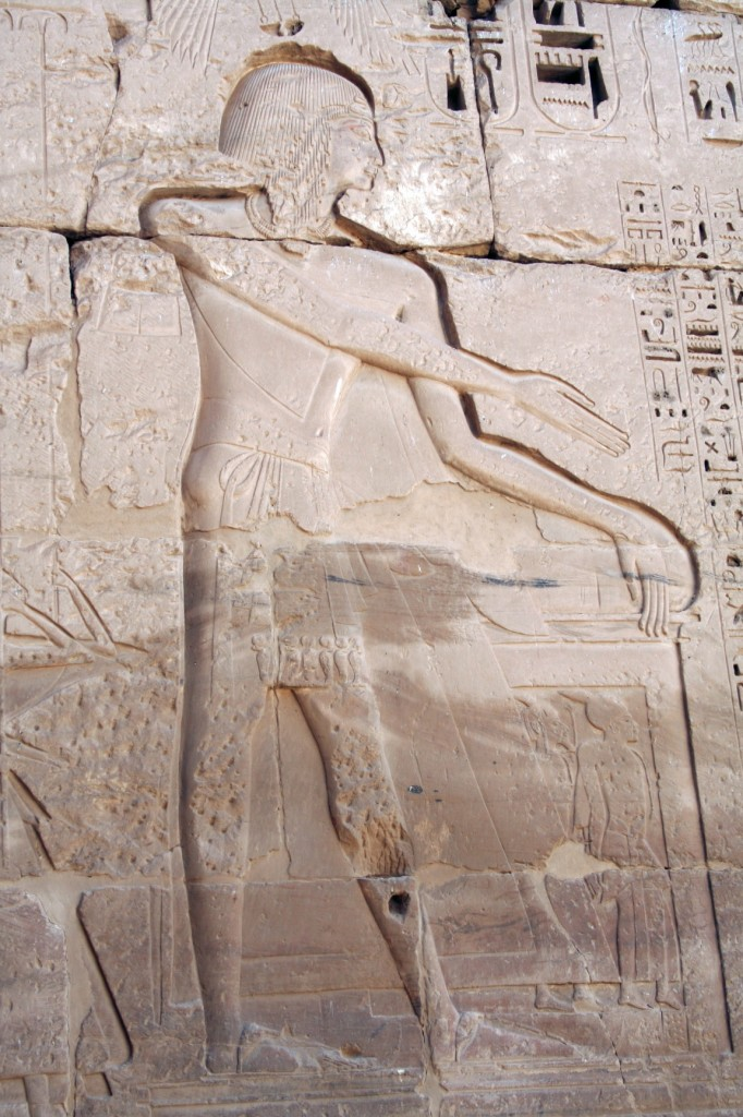 Medinet-Habu-receiving-spoil-loop-detail-Egypt