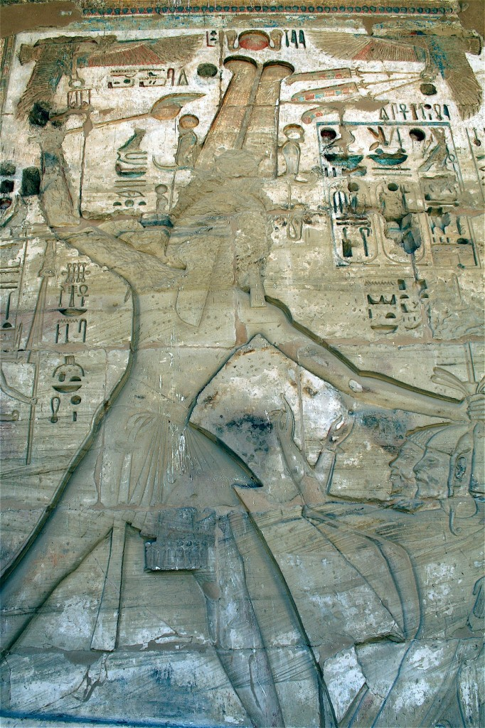 Medinet-Habu-smiting-loop-Egypt