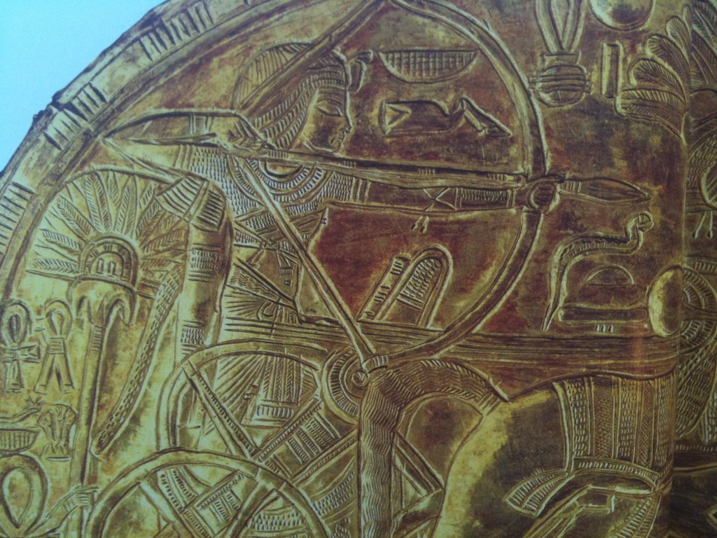 Tut-ostrich-hunt-sunsahade-detail-Egypt